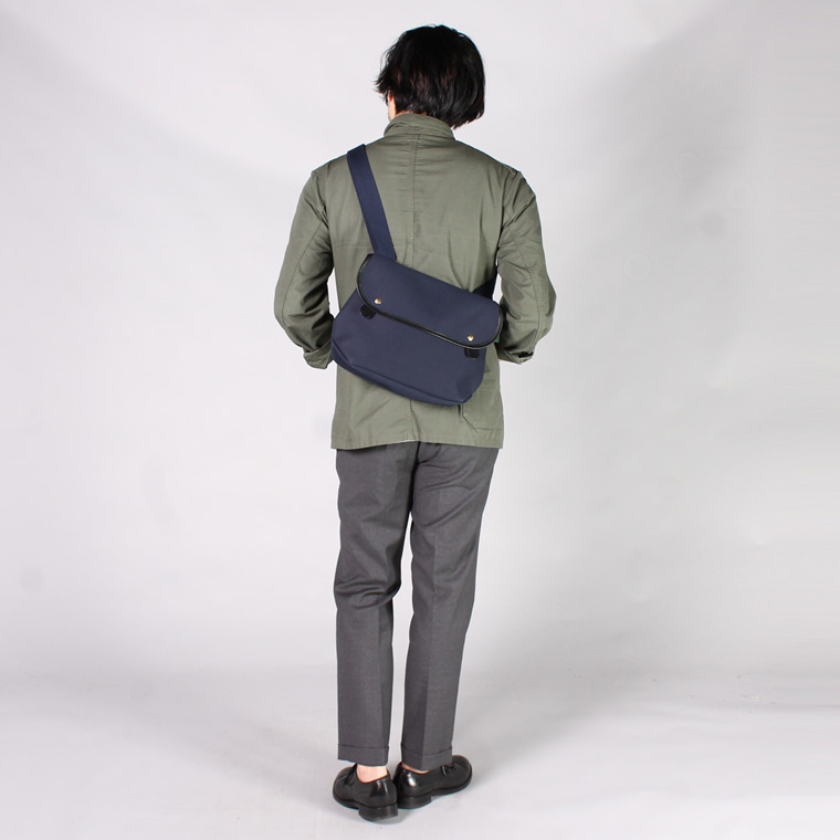 BRADY (ブレディ)  ARIEL TROUT - LARGE  / NAVY BLACK LEATHER
