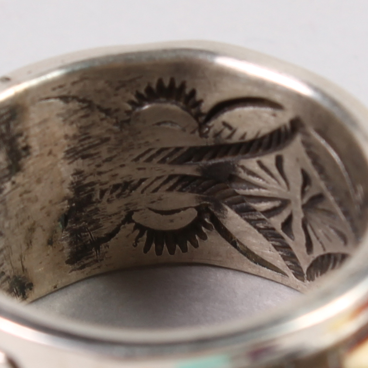 INDIAN JEWELRY (インディアンジュエリー)  INLAY RING / RAY ADAKAI [18号]